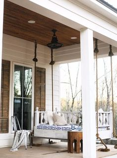 27 Screened And Roofed Back Porch Decor Ideas