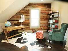 I love the rustic wall idea. Masters of Flip: Deer Kortney Cottage Design, House Design, Masters Of Flip, Guest Room Office, Home Office Design, Beautiful Interiors, Home Living Room, My Dream Home, Sweet Home