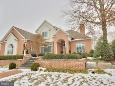 790 Bent Creek Drive, Lititz, PA 17543 Enjoy the scenic beauty & convenience of Bent Creek Country Club's 16th Fairway in this fabulous all brick home...High ceilings and open floor plan make entertaining a breeze.
