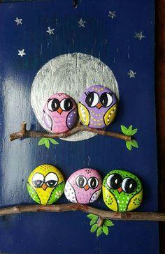 Lechuzas de piedra Pebble Art, Garden Art, Rock Painting, Pebble Painting, Stone Painting, Stone Crafts, Rock Crafts, Hand Painted Rocks, Painted Owls