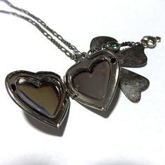 Colar multi pingentes - coração relicário - laço - coração com chave