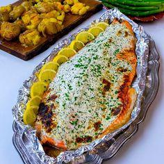 Har du testat mitt recept på laxsida med färskost serverad med kraschad potatis med smak av saffran och vitlök? Om du inte har gjort det så säger jag bara JUST DO IT! Föööör gott👌❤❤❤ Och dom där kraschade potatisarna... magiska! Recept hittar du i länken i min profil➡️ @zeinaskitchen Fish Recipes, Snack Recipes, Healthy Recipes, Snacks, Zeina, Fish And Seafood, I Love Food, Bon Appetit, Summer Recipes