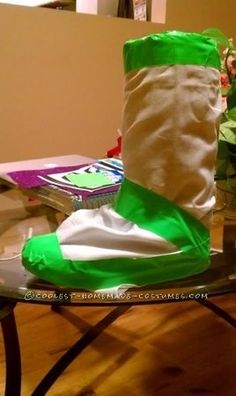 Coolest Girl Couple Buzz Lightyear and Woody Costumes ...This website is the Pinterest of birthday cakes