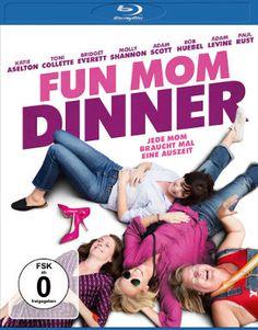FUN MOM DINNER kommt am 17. November 2017 auf DVD in den Handel. Der Film erzählt die Geschichte von vier Müttern, die unterschiedlicher nicht sein könnten. Es eint sie aber ein Wunsch: Endlich auch mal einen Frauenabend ohne Männer und ohne Kinder. Damit nimmt die Geschichte dann ihren Lauf. #Comedy #Komödie #Review #Kritik
