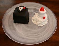 Bride and groom mini cakes