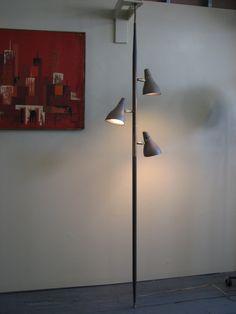 Mid Century Modern 1960's floor to ceiling lamp made of metal LIGHTOLIER Gerald Thurston