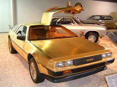 Delorean DMC-12 Gold 1981