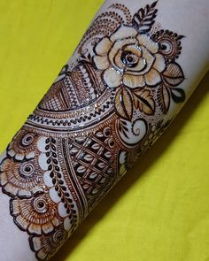 No photo description available. Khafif Mehndi Design, Rose Mehndi Designs, Basic Mehndi Designs, Latest Bridal Mehndi Designs, Henna Art Designs, Stylish Mehndi Designs, Mehndi Design Pictures, Wedding Mehndi Designs, Dulhan Mehndi Designs