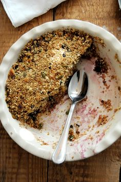 end of summer crumble {vegan + gf} — little alice End Of Summer, Delicious Desserts, Alice, Vegan, Breakfast, Ethnic Recipes, Food, Morning Coffee, Meals