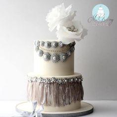 Beautiful Rice Paper Dress Design Cake