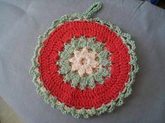 Ravelry: Strawflower Potholder pattern by Maggie Weldon.. Free pattern!