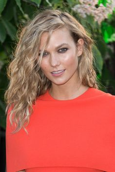 Karlie Kloss's Wild Waves - The Most Gorgeous Hairstyles From Our Favorite…