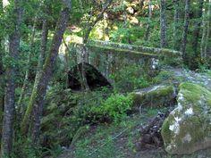 Corsica - Ponts Genois - Le pont de Muracciole (Haute-Corse - Centre Corse) enjambe la rivière de Forcaticciu, pont muletier non répertorié comme pont génois, ressemble étrangement à un vieux pont génois.