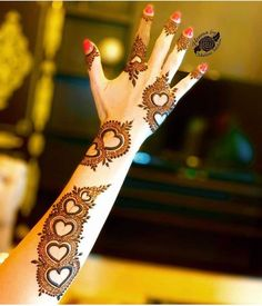 After the holy month of fasting comes Eid, the fest of joy, feasts, glam & mehndi adorned hands! Check out beautiful eid mehndi designs 2019 for some inspo! Eid Mehndi Designs, Latest Arabic Mehndi Designs, Full Hand Mehndi Designs, Henna Art Designs, Mehndi Designs For Beginners, Modern Mehndi Designs, Mehndi Design Photos, Wedding Mehndi Designs, Mehndi Designs For Fingers