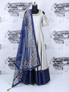 Shop Plain grey silk party wear anarkali suit online from India. Indian Gowns Dresses, Pakistani Dresses, Indian Attire, Indian Outfits, Indian Designer Outfits, Designer Dresses, Mehndi, Latest Salwar Suit Designs, Anarkali Dress