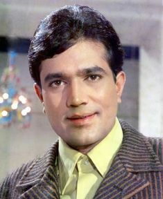 The First Super Star of Bollywood. Old Film Stars, Rajesh Khanna, Bollywood Pictures, Vintage Bollywood, First Choice, Super Star, Indian Celebrities, Handsome Man, Bollywood Stars