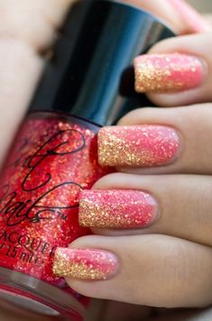 Pink nails with gold glitter, sooo pretty!