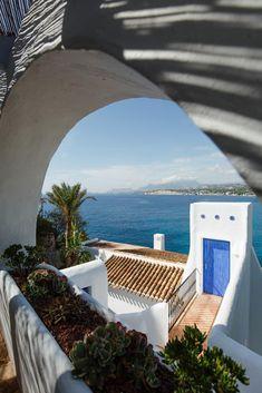 Arquitectura Ibicenca Diseño lloret . moraira-ibiza laifetyle.com Moraira, Outdoor Furniture, Outdoor Decor, Ibiza, Sun Lounger, Home Decor, Architecture, Chaise Longue, Decoration Home