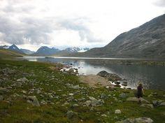 Het hoofddoel van onze reis door Noorwegen is deze zesdaagse trektocht door het nationaal park Jotunheimen. Gedurende zes dagen trekken we met zware rugzakken door afgelegen gebieden, voorzien van …