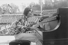 Jackson Browne, 27 August 1973 by Henry Diltz
