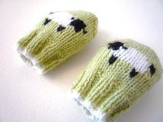 PDF KNITTING PATTERNS - baby mittens - little baa baa - newborn to 1 year
