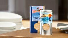 SONNENTOR Orangenflöckchen - für das Beste zum Schluss :)  Orangenflöckchen schmeckt besonders fein in den Bröseln von Topfennockerln, in wärmendem Frühstücksbrei, in duftendem Backwerk oder auf einem Zartbitter-Schokoladenkuchen. Bio Tee, Eat Together, Guy Fieri, People Eating, Orange, Cooking, Breakfast, Food, Online Shopping