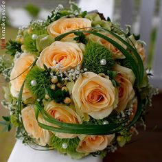 Wedding Centerpieces Looking for the right bridal bouquet Orange Wedding Flowers, Bridal Flowers, Orange Flowers, Flower Bouquet Wedding, Wedding Colors, Bride Bouquets, Floral Bouquets, Bridesmaid Bouquet, Wedding Flower Arrangements