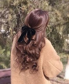 Beautiful curly hair - My Website 2020 Down Hairstyles, Pretty Hairstyles, Hairstyle Ideas, Braided Hairstyles, Bangs Hairstyle, Grunge Hairstyles, Church Hairstyles, New Year Hairstyle, Ribbon Hairstyle