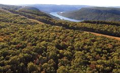 Black Creek is an attractive and pleasant community situated eight miles southwest of downtown Chattanooga, Tennessee. Downtown Chattanooga, Lookout Mountain, Mountain Resort, Resort Style, Luxury Living, Real Estate, Community, Urban, River