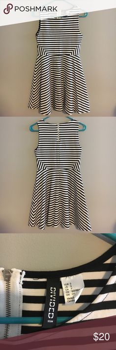 H&M Black and White Striped Dress Fit and flare skater skirt style. The middle is really flattering on with the stripes going the other way. Worn only once. Size small H&M Dresses