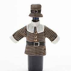 Food Network Pilgrim Wine Bottle Cover - Coat and Hat Food Network http://www.amazon.com/dp/B00UEIKMQ0/ref=cm_sw_r_pi_dp_Z1Nkwb1Q91JR4