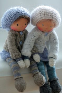 https://www.flickr.com/photos/peperuda_waldorf_inspired_dolls/16295944834/in/pool-fabricdolls/