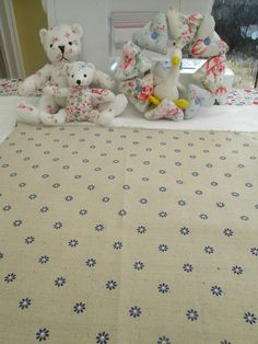 BN Very Lovely 100 % Cotton Remnant In Daisy