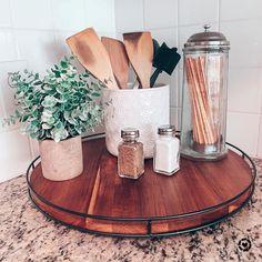 Kitchen Countertop Decor, Kitchen Tray, Home Decor Kitchen, Diy Kitchen, Home Kitchens, Decorating Kitchen, Kitchen Ideas, Kitchen Cabinets, Kitchen Display