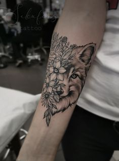 Nov 2019 - Fox and flowers tattoo done at Collective art tattoo studio in Riga Latvia Artist Sabīne Thigh Piece Tattoos, Leg Tattoos, Flower Tattoos, Body Art Tattoos, Horse Tattoos, Tattoos Skull, Cute Tattoos, Tribal Tattoos, Celtic Tattoos