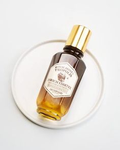 Packed with black bee propolis, royal jelly & royal black honey extract, this essence is powerful. It keeps skin protected, hydrated, supple & radiant. Bee Propolis, Royal Jelly, Beauty Care, Beauty Tips, Beauty Products, Beauty Hacks, Lush Products, Skin Products, Beauty Stuff