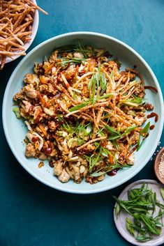 Ground turkey, cabbage and carrots are sautéed together in one big skillet, then flavored with all of the things that make egg rolls so delicious to make this healthy, easy, egg roll bowl. Asian Recipes, Healthy Recipes, Ethnic Recipes, Chinese Recipes, Yummy Recipes, Healthy Food, Inexpensive Meals, Easy Meals, Full Meals