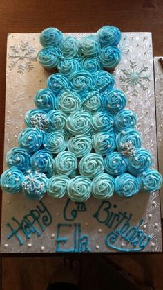 Elsa's dress...Frozen cupcake cake I made for my daughter's bff :-)