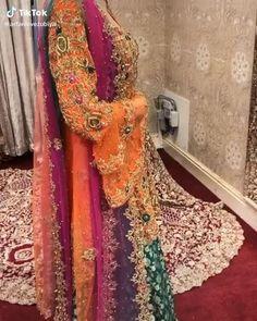 Pakistani Dresses Party, Pakistani Bridal Lehenga, Asian Wedding Dress Pakistani, Bridal Dupatta, Bridal Mehndi Dresses, Bridal Dress Design, Wedding Dresses For Girls, Pakistani Frocks, Latest Bridal Dresses