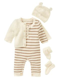 Favorite garter-stitch knit set Color: french vanilla AUD (Super cute but super expensive!) Baby Gap is great though! Baby Boy Fashion, Fashion Kids, Latest Fashion, Cardigan Bebe, Gender Neutral Baby Clothes, Going Home Outfit, Baby Kids Clothes, Newborn Winter Clothes, French Baby Clothes