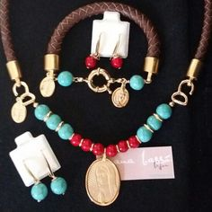 #necklaces #pulsera #bracelets #diseño #diseñadora #anabasso #jewelry #joyería #bañodeoro #religioso #2016 #chapa #collar #necklace #mujer #piel #corto #turquesa