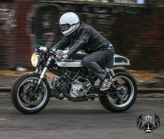 """""""@caferacergram by CAFE RACER #caferacergram # Ducati 900SS cafe racer by @wheels_of_fortune 