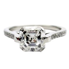 1.72ct E VS2 Asscher Diamond Ring For Sale at 1stdibs