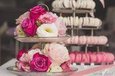 Pyramide de macarons Macarons, Cakes, Table Decorations, Rose, Design, Home Decor, Organized Mom, Vintage Crockery, Successful Marriage