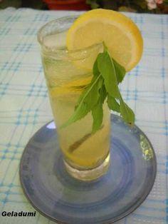 Sirop natural de menta verde - Retete in imagini - Culinar.ro Forum Mai, Shot Glass, Cottage, Tableware, Green, Sweets, Syrup, Canning, Dinnerware