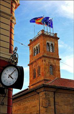 Edificio histórico de la Universidad de Oviedo   Flickr: Intercambio de fotos