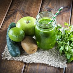Kiwi, Cucumber, Apple, Lime and Parsley Smoothie