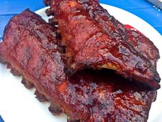 spareribs-met-blues-hog-smokey-mountain-sauce