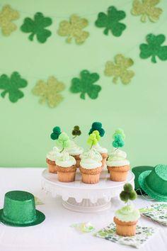 Pom Pom Shamrock Cupcake Toppers DIY | Oh Happy Day! | Bloglovin'