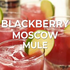 This blackberry moscow mule is a fruity variation of the classic moscow mule cocktail blackberry jam adds sweetness to this easy cocktail recipe! Beste Cocktails, Easy Cocktails, Cocktail Drinks, Cocktail Shaker Recipes, Classic Vodka Cocktails, Alcoholic Drinks Vodka, Vodka Mixed Drinks, Popular Cocktails, Sweet Cocktails